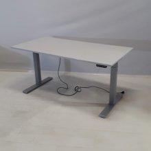Sähköpöytä P liukukannella-Kinnarps